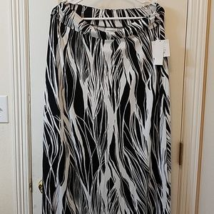 Liz Claiborne black and white maxi skirt